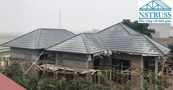 Thi công mái ngói tại Bắc Giang- khung kèo thép nhẹ chống gỉ