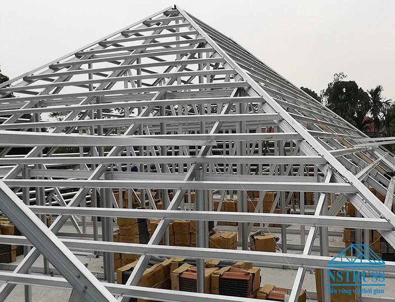 Vì sao nên lợp mái ngói khung kèo thép mạ cho công trình